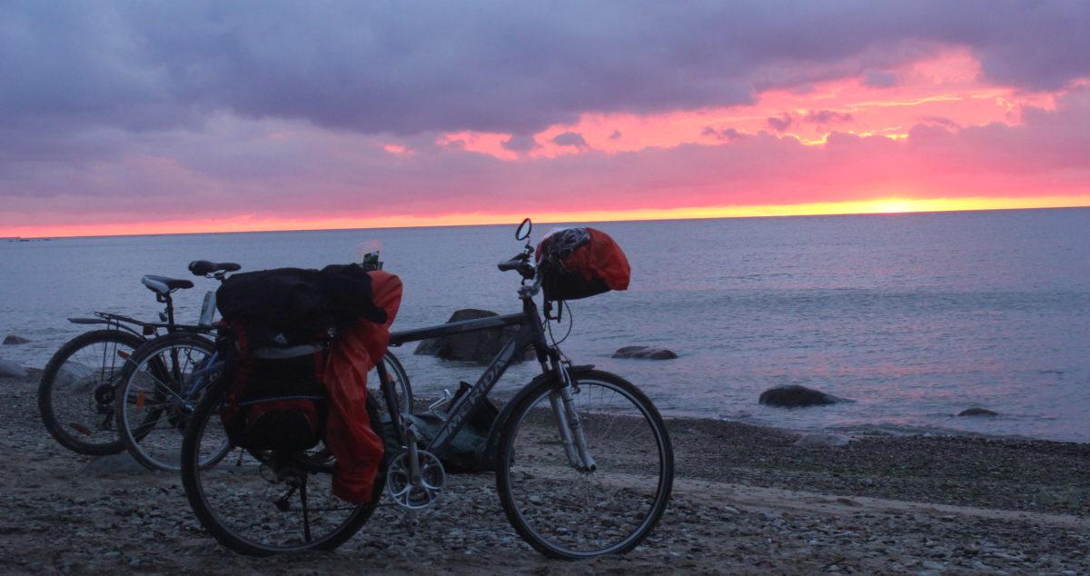 Eesti lipp jalgrattal 100 päevaga ümber Läänemere
